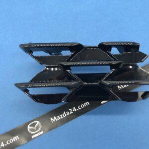 BCKB50164 - Mazda 3 BP (2019-2021) grille cover left black gloss