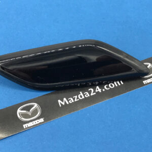 GMM1518G151 - Headlight washer cover right Mazda 6 (2015-2017). Color: black (Jet Black, 41W)